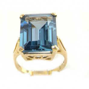 14K Yellow Gold Large 16x12mm Octagon cut Synthetic Aquamarine Ring